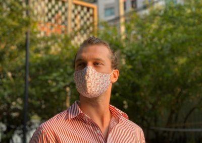 Gesichtsmaske im Kontraststoff K11