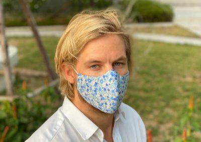 Gesichtsmaske im Kontraststoff K10