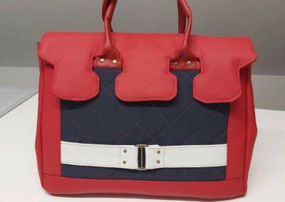 Handtasche rot blau