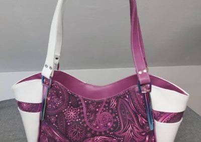 Handtasche lila weiß